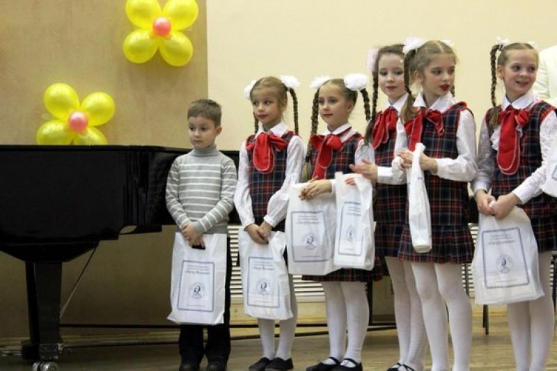 При поддержке фонда «Петр Великий» прошел вечер «Рождественская сказка»